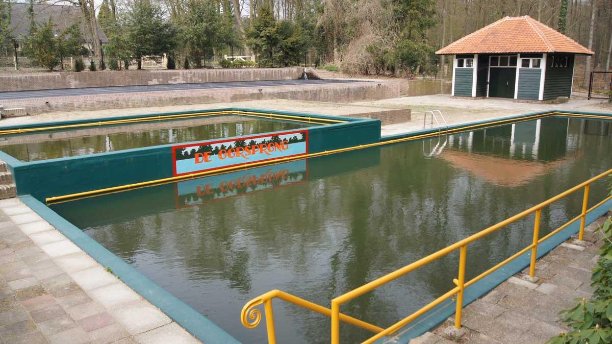 Zwembad de oorsprong gerestaureerd de bekenstichting