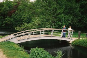 Brug over de St. Jansbeek in het park Sonsbeek