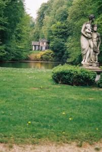 Spiegelvijver in het park Zijpendaal