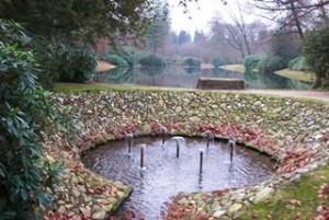 Fonteintjes met op de achtergrond de Nieuwe Vijver