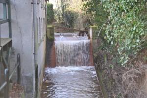 Herstelde waterval bij voormalige molenplaats van de Smallertse molens