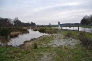 De Grift ter plaatse van Vossenbroek Oost met rechts het ontvangstbekken van Vitens