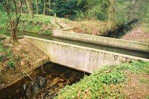 Het aquaduct van de Nieuwe Beek (onder) en de Geelmolense Beek (boven)
