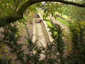 De droogstaande Molenbeek langs 'Onder de Boomen'