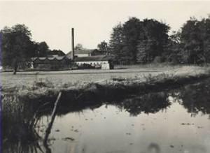 De inmiddels verdwenen Bordpapierfabriek van Jan van Delden