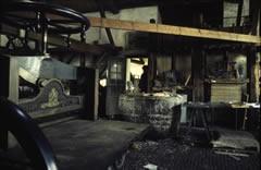Het interieur van de papierfabriek Middelste Molen