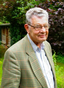Peter Stork in zijn tuin in Epe (foto Wiebe Kiel)